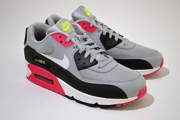 "Nike Air Max 90 Trainers <span class=""prodcode""><br>Essential AJ1285-020</span>"