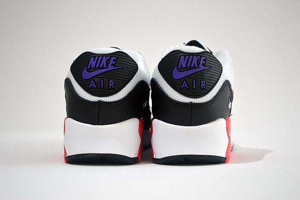 "Nike Air Max 90 Trainers <span class=""prodcode""><br>Essential AJ1285-106</span>"
