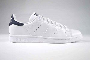 "Adidas Stan Smith White Trainers <span class=""prodcode""><br>M20325</span>"